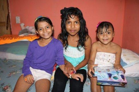 Más Familias, Menos Orfanatos
