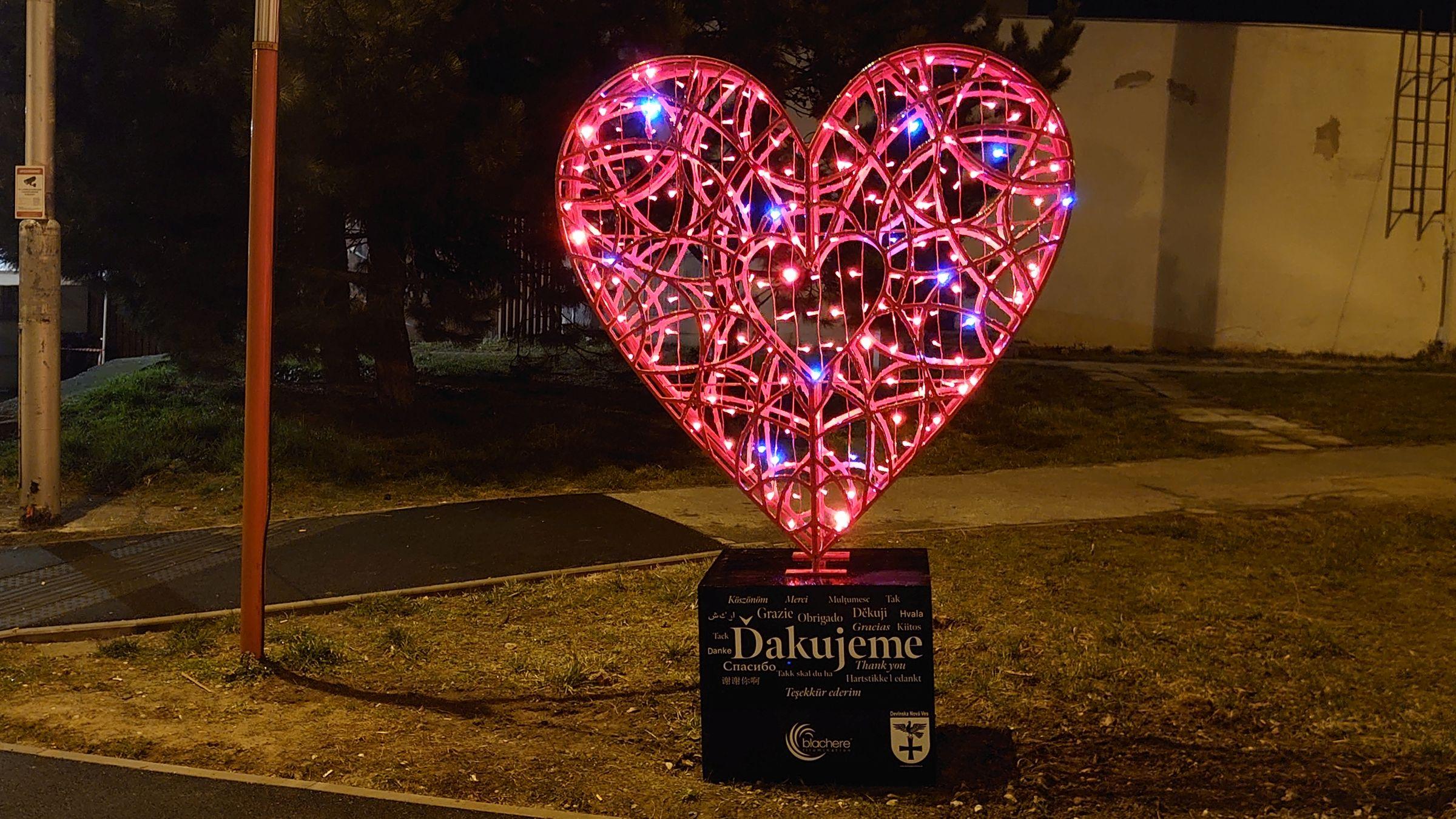 Srdce vďaky svieti aj v Devínskej Novej Vsi