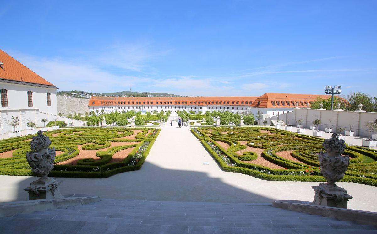 Baroková záhrada pri Bratislavskom hrade