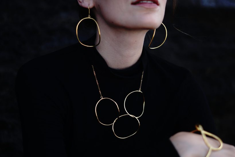 necklace and earrings circles