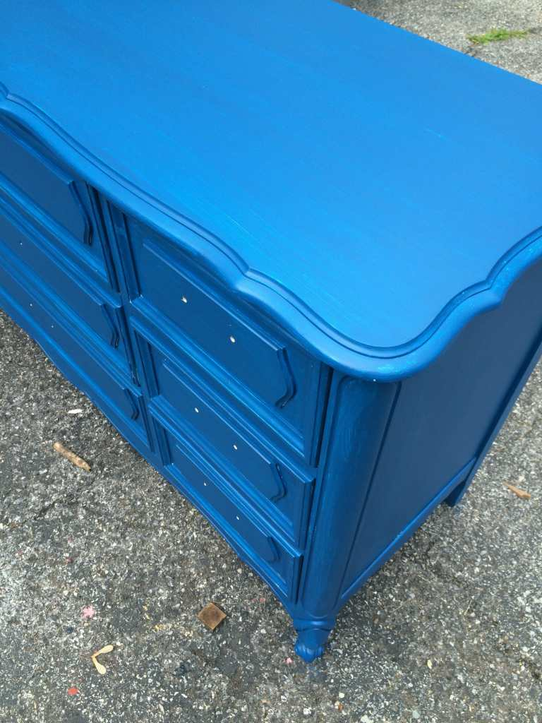 How to paint plastic top furniture