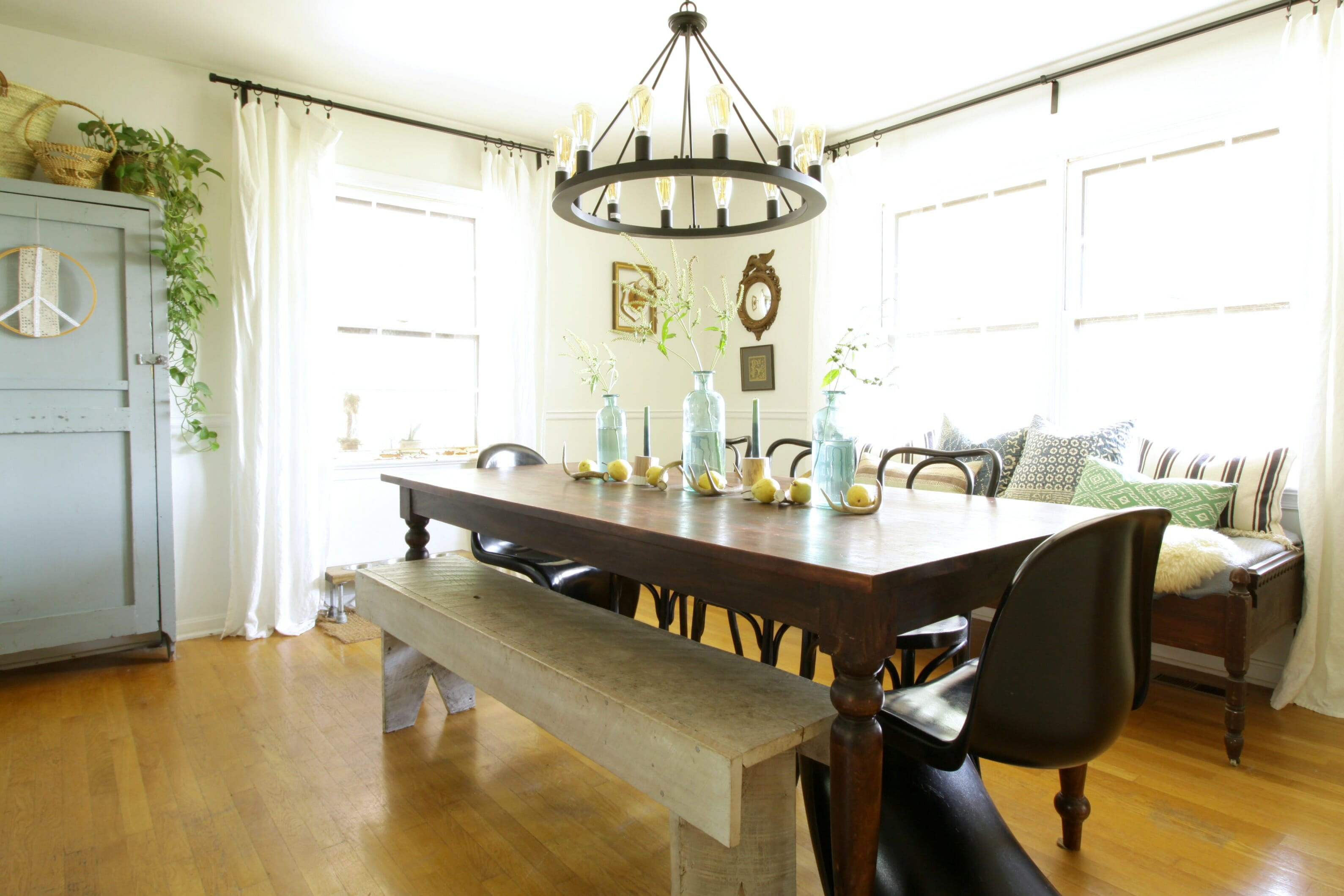 Modern Farmhouse Dining Room: Eclectically Fall Home Tour