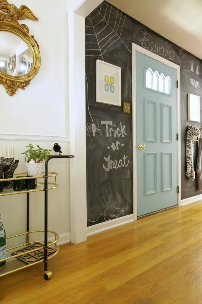 halloween-chalkboard-entry-wall