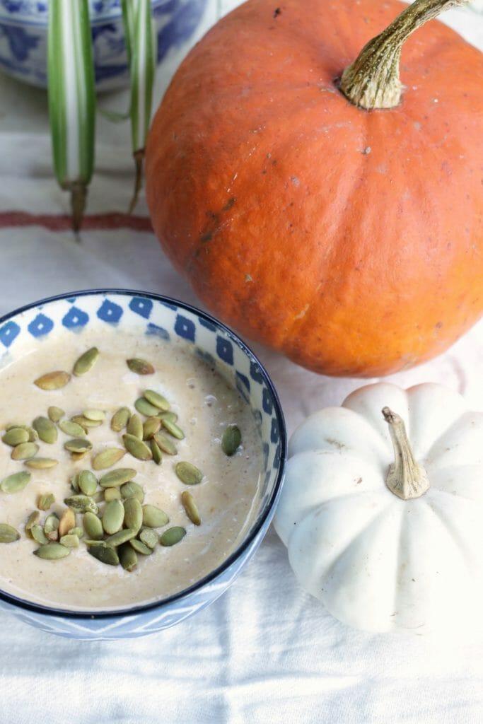 Clean Eating Pumpkin Pie Smoothie Bowl