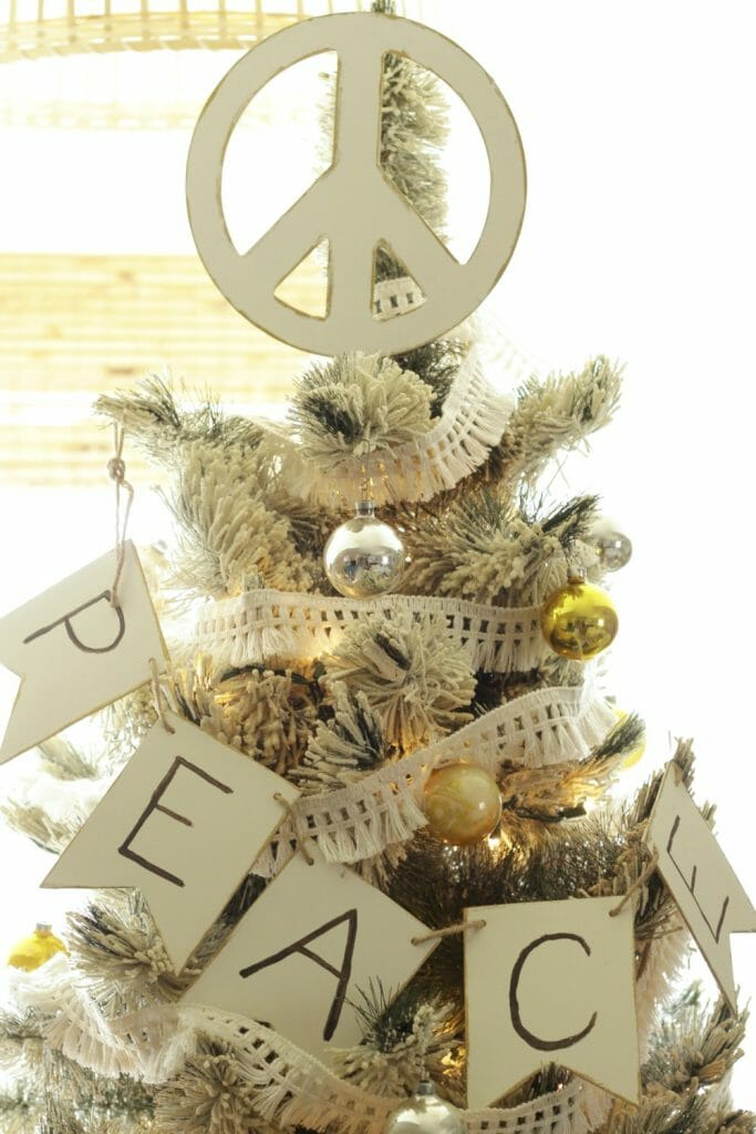 diy-peace-sign-tree-topper-banner