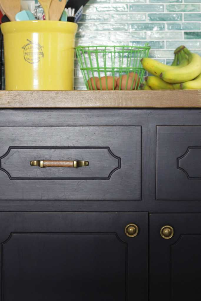 Wood Pulls with Navy Cabinets