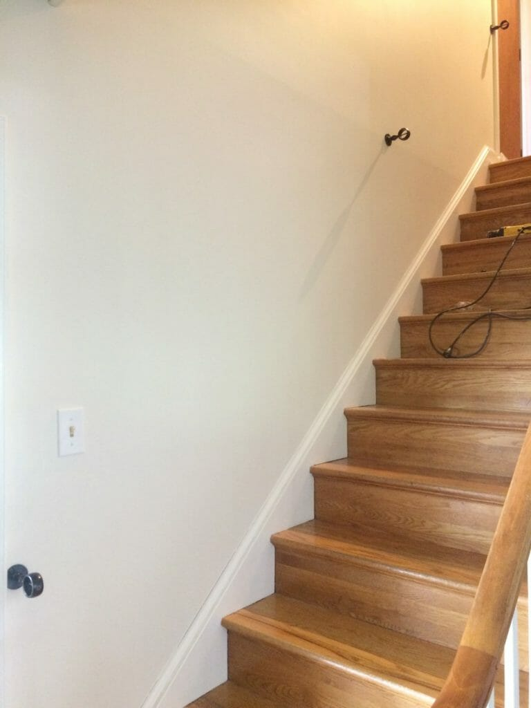 How to securely mount a DIY rope stair railing