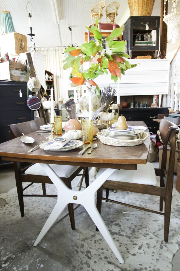 Eclectic Vintage Natural Glam Fall Tablescape on Midcentury Table