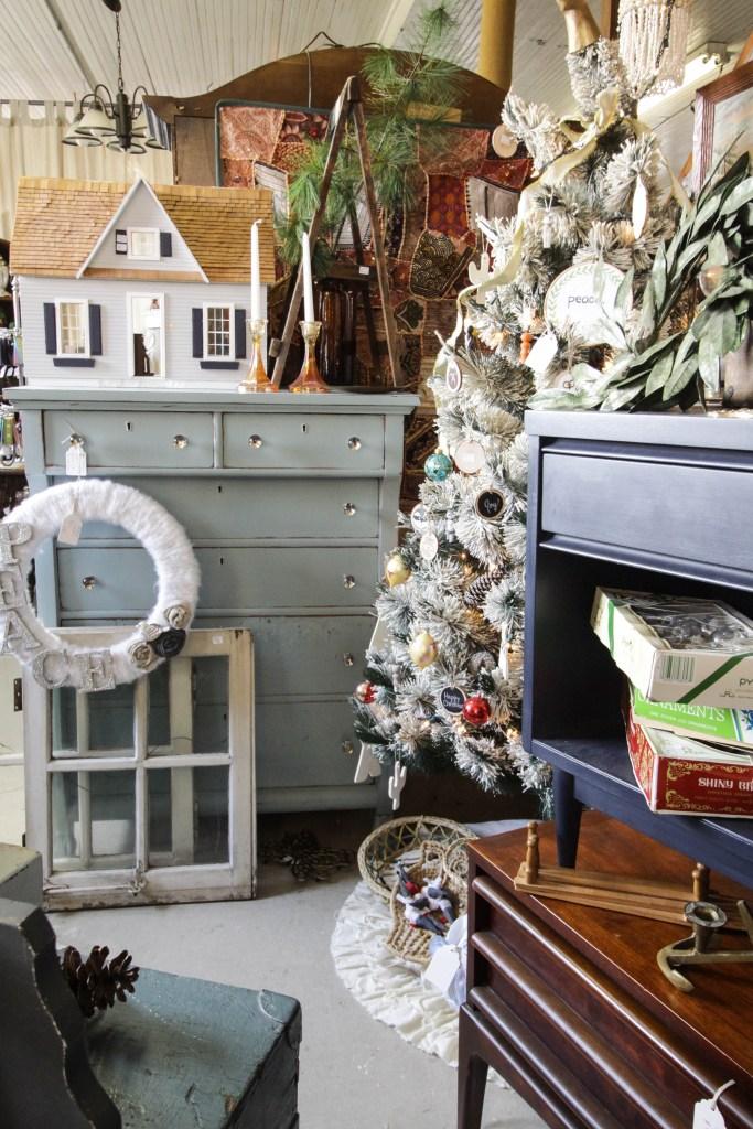 Vintage Shop at Christmas