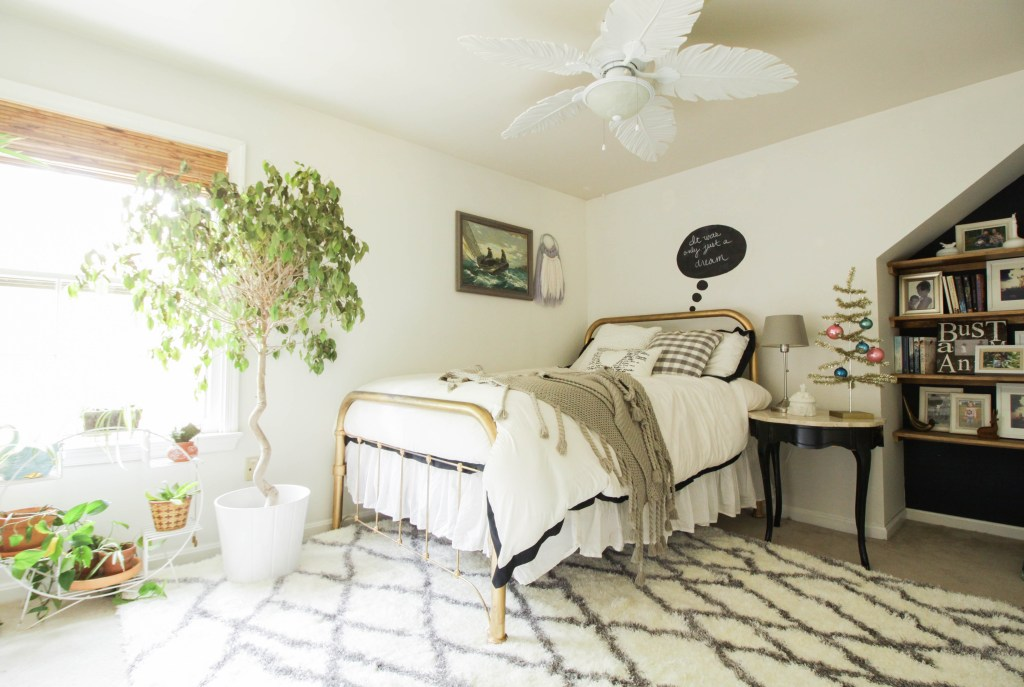 Guest Bedroom at Christmas
