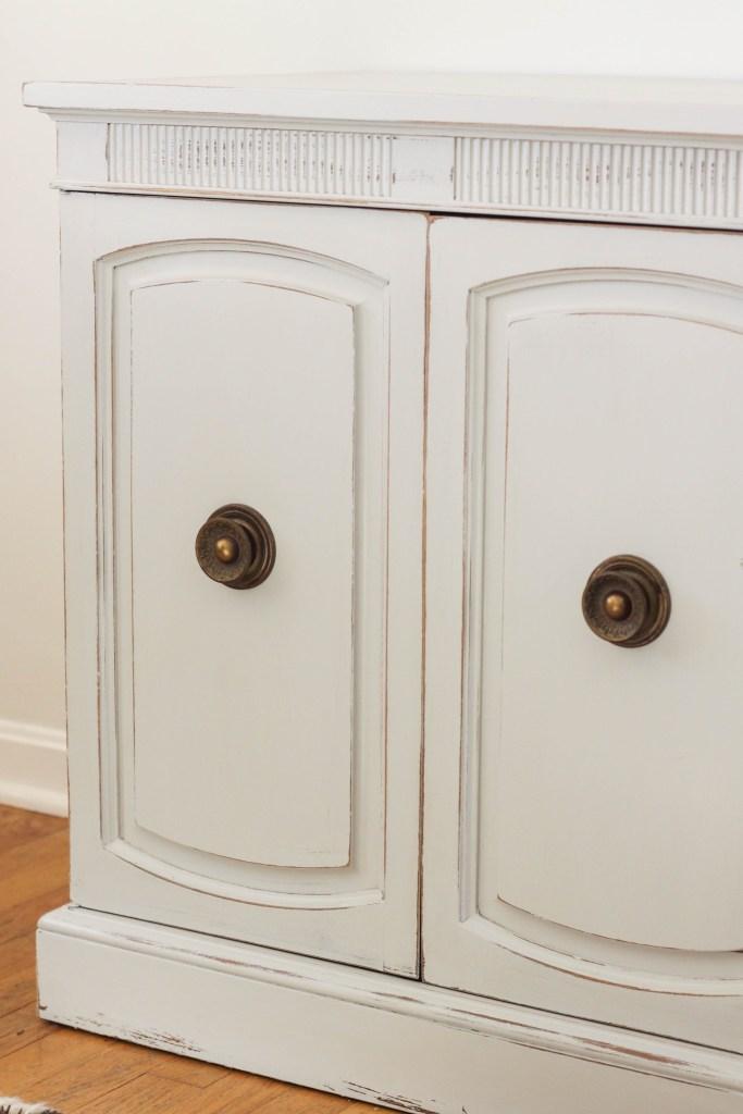 Using original hardware when painting furniture