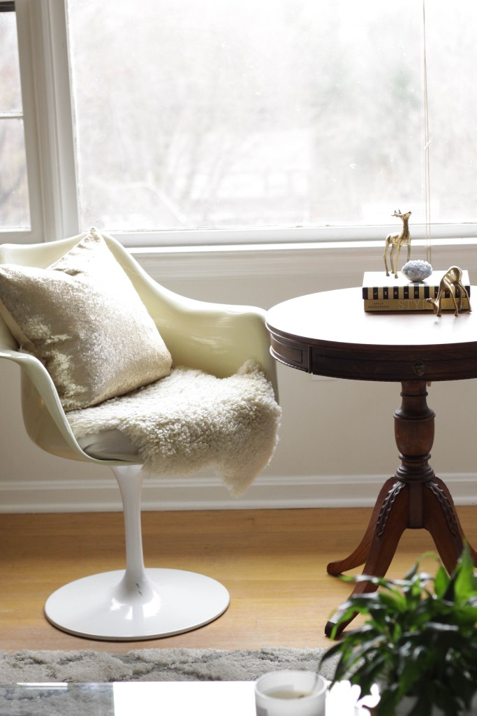 Vintage tulip chairs in holiday glam