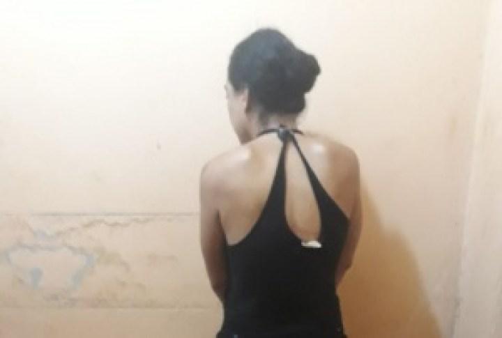 Polícia Militar, em ação conjunta com a Polícia Civil, prende mulher por furto