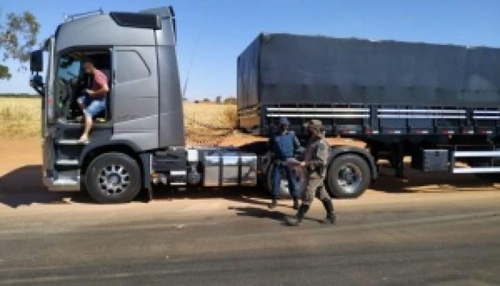 Polícia apreende terceira carga ilegal de madeira e aplica multa de R$ 13 mil