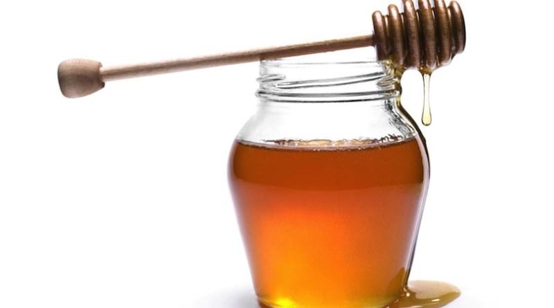 Il miele è più dolce dello zucchero ma meno calorico