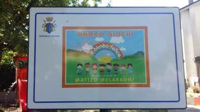 Il cartello del parco di Sant'Angelo in Theodice intitolato a Matteo Melaragni