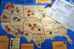 crisis-2000-game-cover-and-map-board