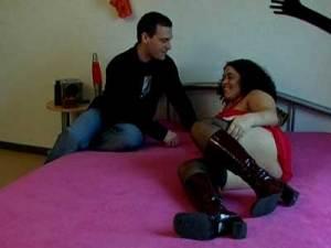 Frau und Mann besprechen ihrer Sexzene vor dem Pornocasting bei Aufnahmen für MyDirtyHobby