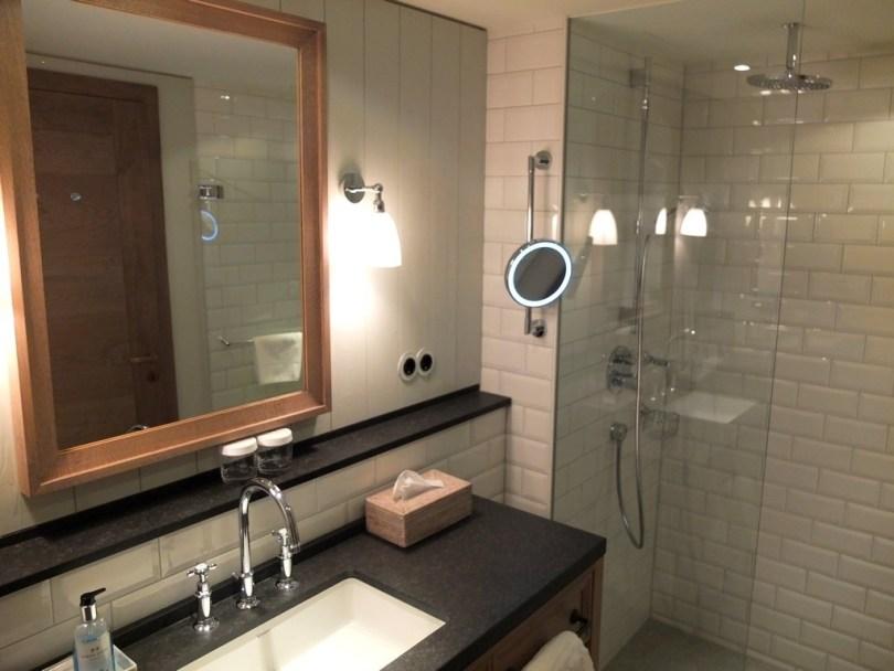 Loewen Schruns - salle de bain