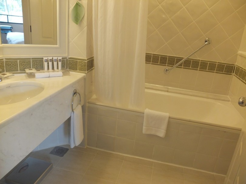 swissotel merchant court Singapour - classic room salle de bain