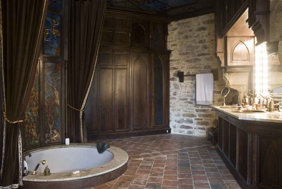 montbrun castle  The Masters Bathroom