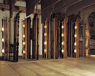 Lathe with lighting (copy) on wings in the Český Krumlov Castle Theatre, 1999, foto: Věroslav Škrabánek