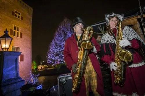Saxofoon Duo op Castle Christmas Fair Kerstmarkt Noord Holland