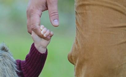 papa_hand