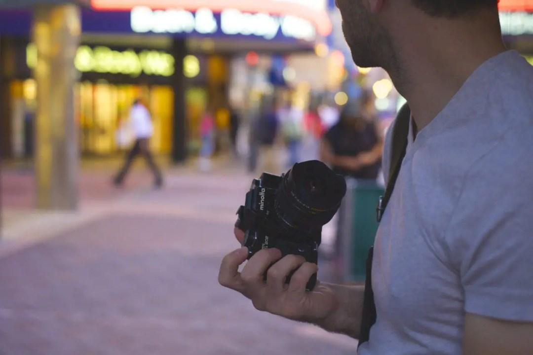 wide angle lens street shooting