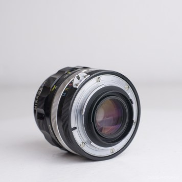 nikon nikkor 35mm f-2 lens review product photos-4