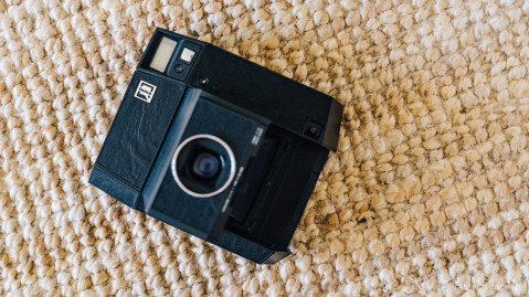lomo instant square review-16