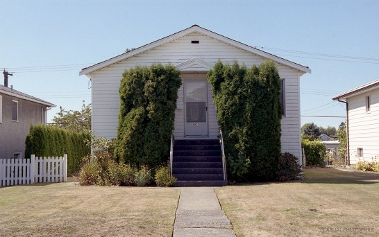 My best Eggleston impression. But, damn, is that not a beautiful house?