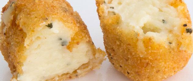 Croqueta de queso viejo y ajo
