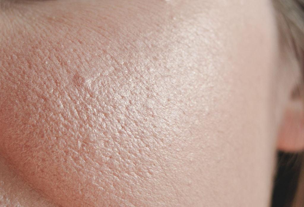mac belightful iridiscent powder swatches on skin