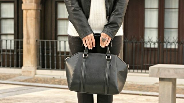 Total Black & White look