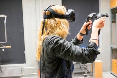 Jeg spiller VR games på Aalborg Universitet