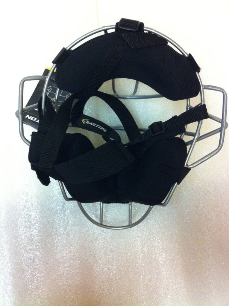 Rear of easton speed elite catchers mask