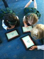 Più tablet, meno maestri?