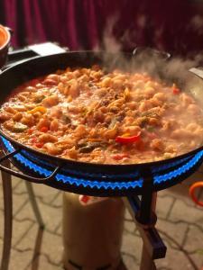 Paella de Marisco am kochen