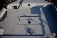 SeaArk ProCat 240 Front Deck