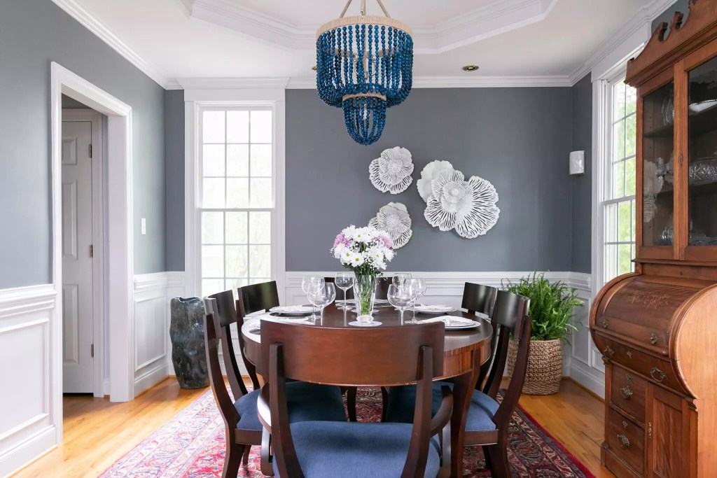 Southern Village Modern Traditional Dining Room - Cat French Design