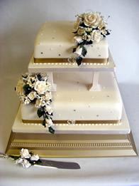 Classic Wedding Cakes Catherines Cakes Reading Berkshire