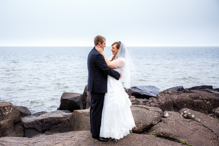 Lake Superior North Shore Wedding_Wisconsin Wedding Photographer-13