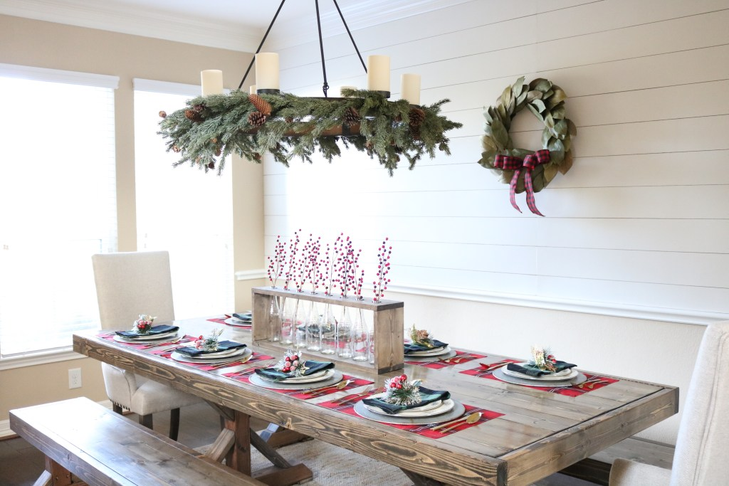 Christmas Tablescape #Tablescape #Table #DiningRoom #ChristmasTable