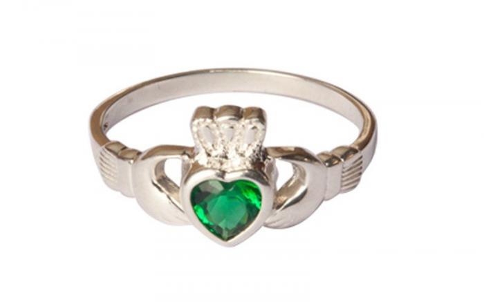 Claddagh Emerald Stone Ring