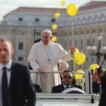 Prepare for Christmas by conversion, Pope tells Advent Angelus crowd