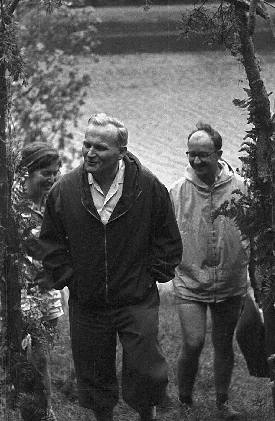 20 Images that Prove St John Paul II was the Coolest Saint Ever