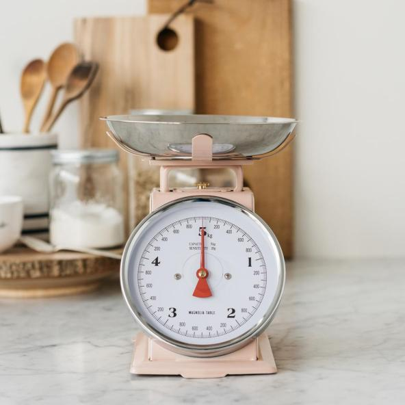 pink-metal-kitchen-scale-magnolia-table-YHi4350DMM_1_1020x1020