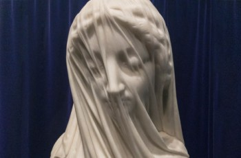 Do you believe that even the veil of this sculpture is made of marble