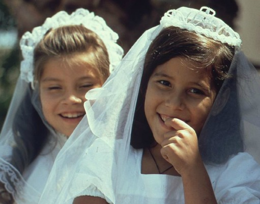 7 Resources to Find the Perfect First Communion Dress
